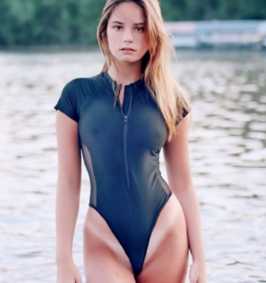 Magenzie Rain with a sexy swimsuit